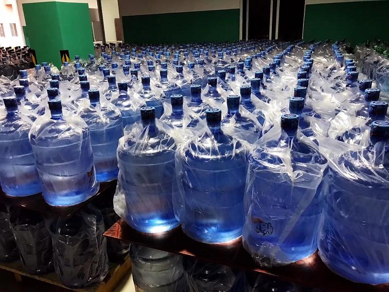 桶装水成品仓库展示